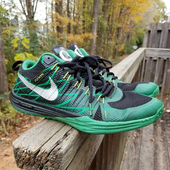 buy popular a7a7a 67669 Oregon Ducks Nike Lunar TR1. M 5a3478fca44dbe95100209e0